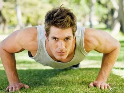 мужчина-спортсмен