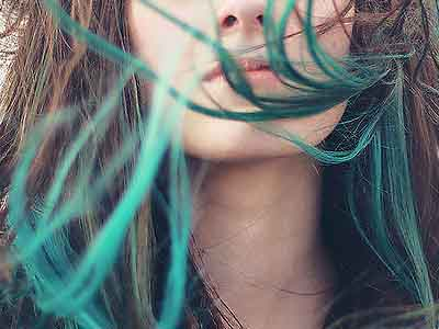 зеленые кончики волос