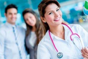 женщина-доктор