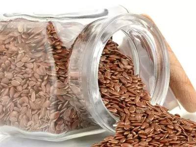 семена льна в банке