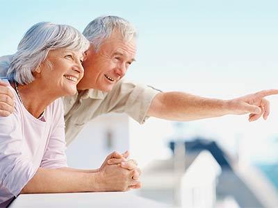 счастливая пожилая пара