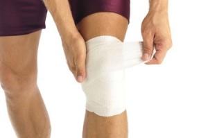 что делать сильно крутит колени суставы