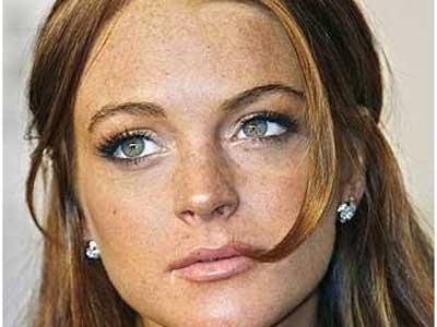 пигментные пятна на лице женщины